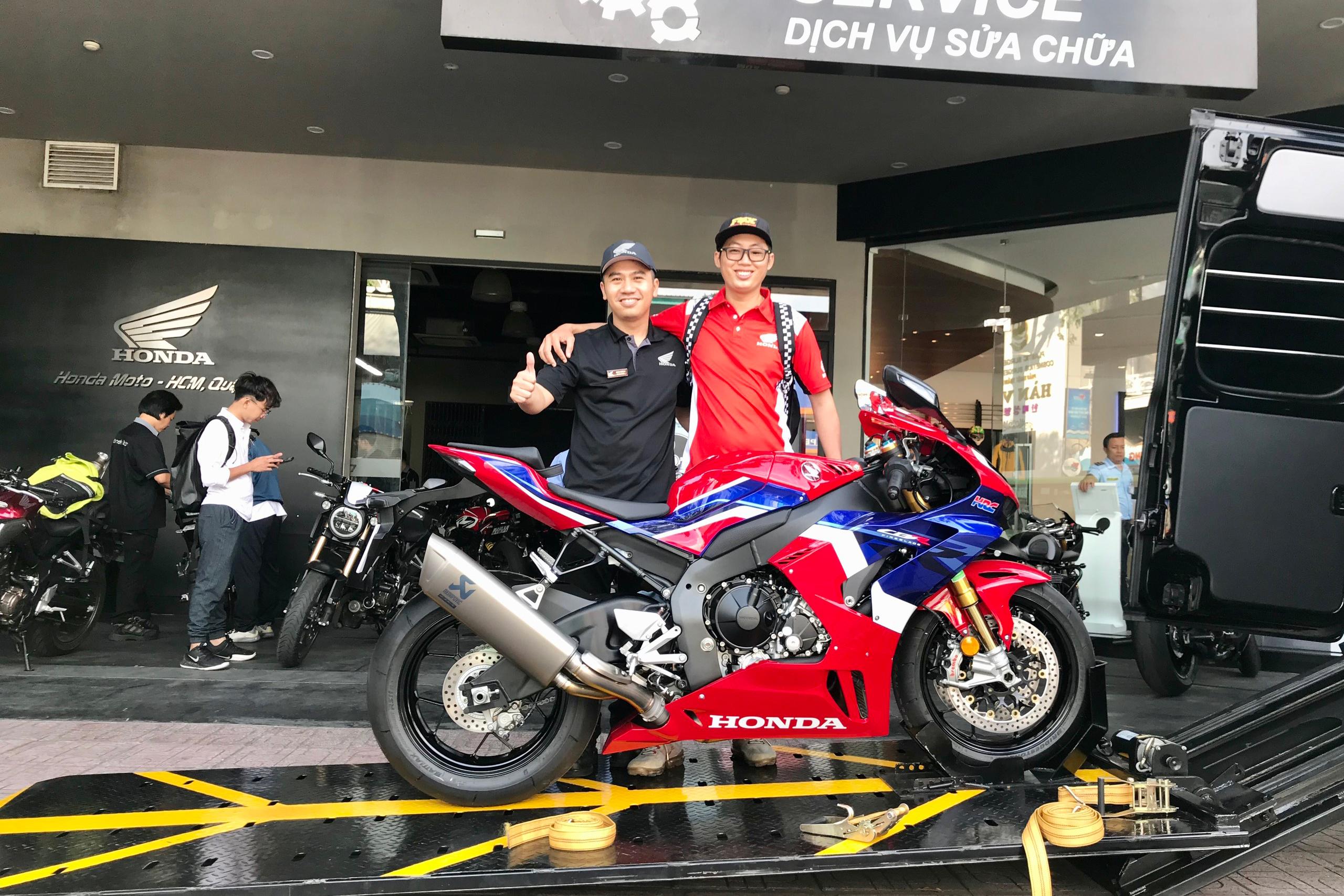 Bàn giao CBR1000RR-R SP tiếp theo tại Honda Moto Phát Tiến